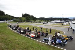GP2-Autos warten auf die Startfreigabe
