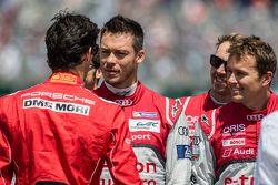 Mark Webber souhaite bonne chance à Andre Lotterer et Marcel Fässler