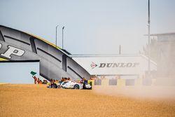 #12 Rebellion Racing Rebellion R-One: Nicolas Prost, Nick Heidfeld, Mathias Beche in trouble during recon lap