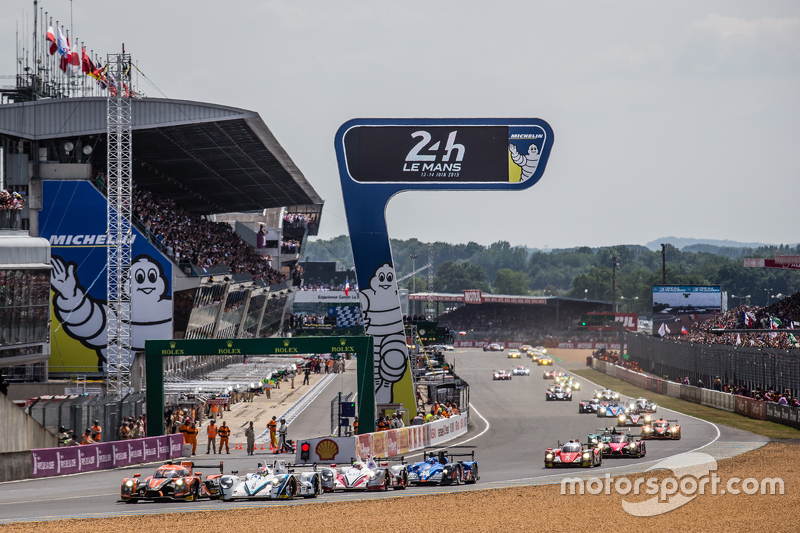 Start: #26 G-Drive Racing, Ligier JS P2: Roman Rusinov, Julien Canal, Sam Bird, und #41 Greaves Moto