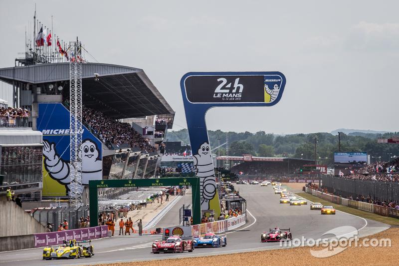 Start: #45 Ibanez Racing, ORECA 03R: Pierre Perret, José Ibanez, Ivan Bellarosa