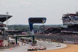 #26 G-Drive Racing Ligier JS P2: Roman Rusinov, Julien Canal, Sam Bird, #46 Thiriet by TDS Racing OR