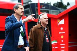 Guenther Steiner, director de Haas F1 Team con Gene Haas, Presidemte de Haas Automotion