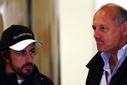 Fernando Alonso, con McLaren, Ron Dennis, presidente ejecutivo de McLaren