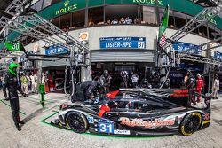 Arrêt au stand pour la #31 Extreme Speed Motorsports Ligier JS P2: Ed Brown, Jon Fogarty, Johannes van Overbeek