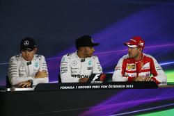 Пресс-конференция FIA: Нико Росберг, Льюис Хэмилтон, Mercedes AMG F1 и Себастьян Феттель, Ferrari