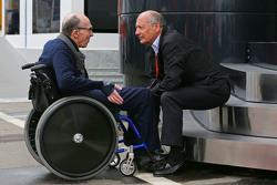 Владелец команды Williams Фрэнк Уильямс и Рон Деннис, McLaren