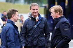 Allan McNish, présentateur pour la BBC F1 avec David Coulthard, consultant Red Bull Racing et Scuderia Toro Rosso / consultant BBC Television et Danny Sullivan, commissaire de la FIA