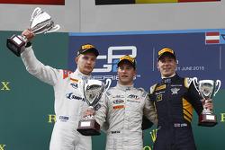 Podium: 1. Stoffel Vandoorne, ART Grand Prix; 2. Sergey Sirotkin, Rapax, und 3. Alex Lynn, DAMS