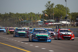 Start: Chaz Mostert, Prodrive Racing Avustralya Ford