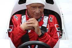 Niki Lauda, Mercedes Non-Executive Chairman in the McLaren MP4/2 at the Legends Parade