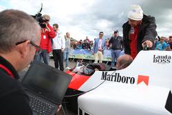 Niki Lauda, Presidente Non Esecutivo Mercedes con la McLaren MP4/2 alla Parata delle Leggende