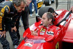Gerhard Berger, Ferrari F1/87-88C en el desfile de leyendas con Alain Prost,