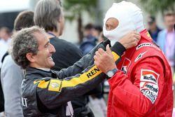 Alain Prost y Niki Lauda, en el desfile de leyendas