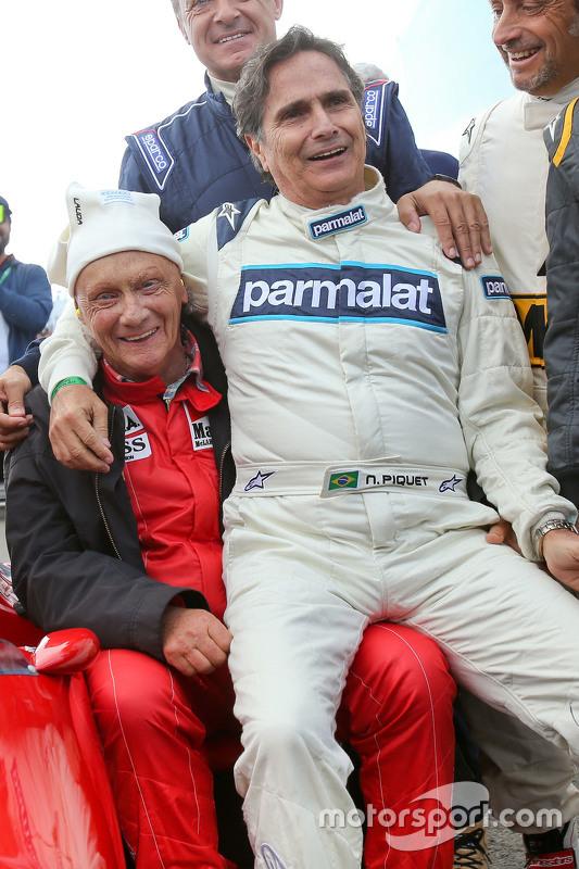 Niki Lauda, Aufsichtsratsvorsitzender Mercedes AMG F1, und Nelson Piquet bei der Legenden-Parade