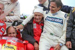 Fahrer bei der Legenden-Parade: Christian Danner, Riccardo Patrese, Gerhard Berger, Niki Lauda, Jean Alesi, Nelson Piquet