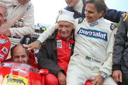 Piloti alla parata delle Leggende: Christian Danner, Riccardo Patrese, Gerhard Berger, Niki Lauda, Presidente Non Esecutivo Mercedes ; Jean Alesi, Nelson Piquet,