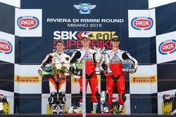 Podium: el segundo lugar, PJ Jacobsen, CORE Motorsport Thailand, el ganador, Jules Cluzel, MV Agusta