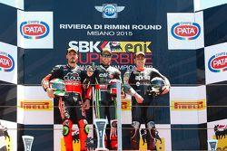 Podium: el segundo lugar, Davide Giugliano, Ducati Team, el ganador, Jonathan Rea, Kawasaki Racing