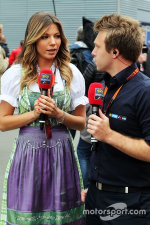 Federica Masolin, Cielo F1 Italia Davide Valsecchi Presenter con, Sky Italia F1 Presentador