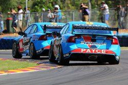 Scott McLaughlin, Garry Rogers Motorsport Volvo e David Wall, Garry Rogers Motorsport Volvo