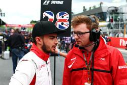 Will Stevens, Manor F1 Team, sulla griglia di partenza