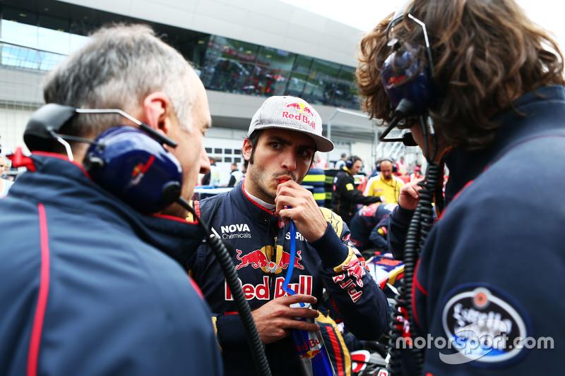 Carlos Sainz Jr., Scuderia Toro Rosso en la parrilla