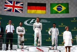 Podio: segundo lugar, Lewis Hamilton y Nico Rosberg ganador, Mercedes AMG F1 y el tercer puesto de Felipe Massa, Williams