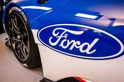 The new Ford GT 2016-spec GTE that will be raced by Chip Ganassi Racing at the 2016 24 Hours of Le Mans: Ford logo and signage