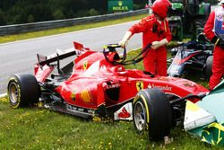 La Ferrari SF15-T endommagée de Kimi Raikkonen, Ferrari