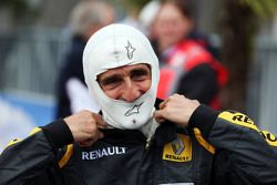 Alain Prost, no desfile das lendas