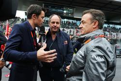 Gerhard Berger,y Jean Alesi, en la parrilla