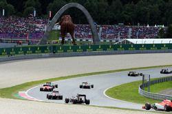 Will Stevens, Jenson Button'ı takip ediyor