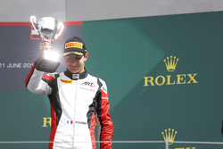 Derde plaats Esteban Ocon, ART Grand Prix