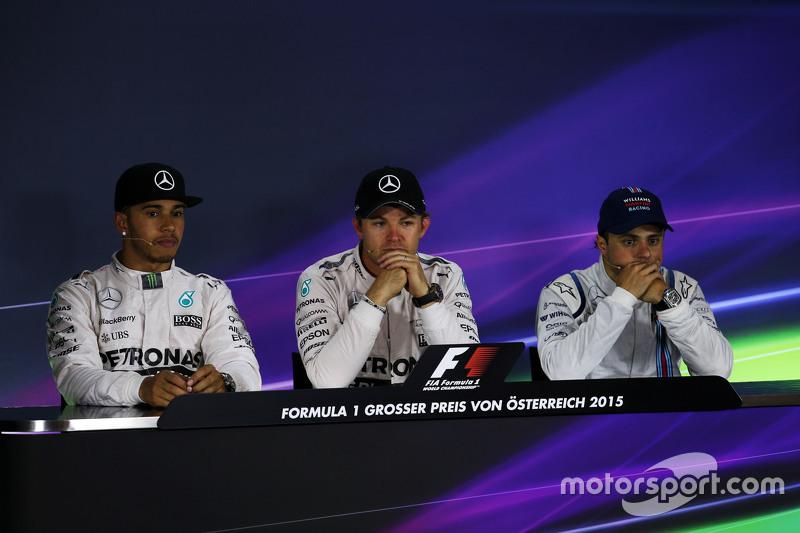 Пресс-конференция FIA после гонки: Льюис Хэмилтон, Mercedes AMG F1 - второй; Нико Росберг, Mercedes
