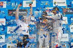 Podium: el ganador, Sébastien Loeb, segundo lugar, José María López, tercer lugar, Yvan Muller