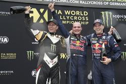 Podium: segundo lugar, Petter Solberg, SDRX Citroën DS3, y el ganador, Davy Jeanney y tercer lugar,