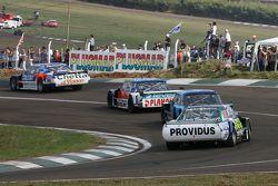 Matias Rodriguez, UR Racing, Dodge; Luis Jose di Palma, Indecar Racing, Torino; Federico Alonso, Tac