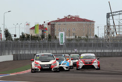 Gianni Morbidelli, Honda Civic TCR, West Coast Racing y Michel Nykjaer, SEAT Leon, Target Competitio