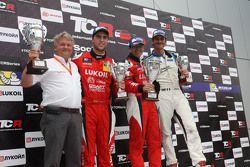 race winner Jordi Gene, SEAT Leon, Craft Bamboo Racing LUKOIL second place Pepe Oriola, SEAT Leon,