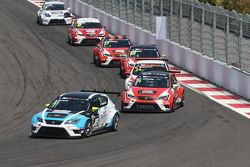 Andrea Belicchi, SEAT Leon, Target Competition e Pepe Oriola, SEAT Leon, Craft Bamboo Racing LUKOIL