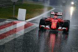 Antonio Fuoco, Ferrari SF15-T in de hevige regen