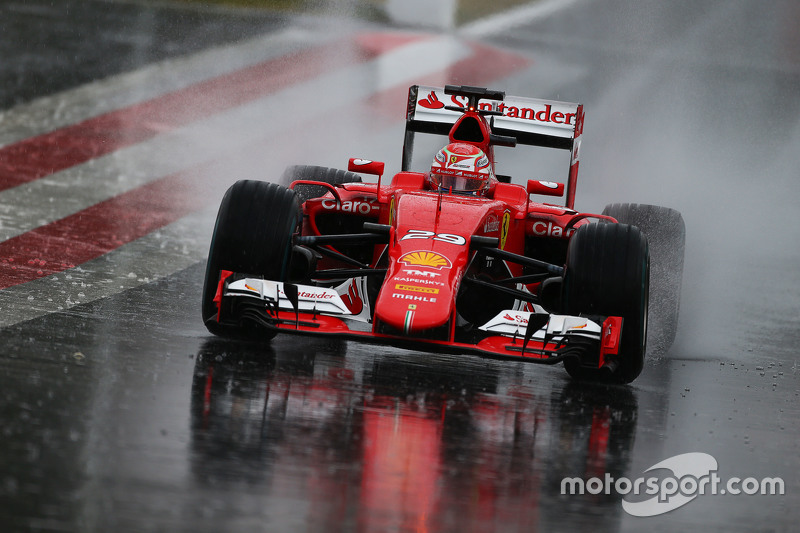 Antonio Fuoco, Ferrari SF15-T, in starkem Regen