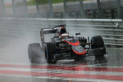 Stoffel Vandoorne, McLaren MP4-29H in de regen