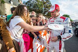 #23 Nissan Motorsports Nissan GT-R LM NISMO: Olivier Pla
