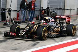 Romain Grosjean, Lotus F1 E23 running sensor equipment