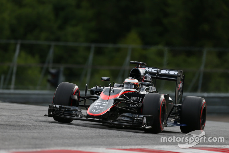 Stoffel Vandoorne, McLaren MP4-30 Test and Reserve Driver