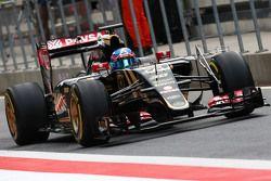Jolyon Palmer, Lotus F1 E23 Test and Reserve Driver running sensor equipment