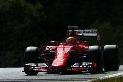 Esteban Gutierrez, piloto de testes e reserva da Ferrari SF15-T