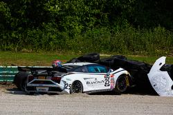 #25 Reiter Engineering Lamborghini Gallardo: Nicky Catsburg choque